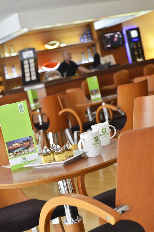 holiday inn hotel istanbul city Lobi Bar