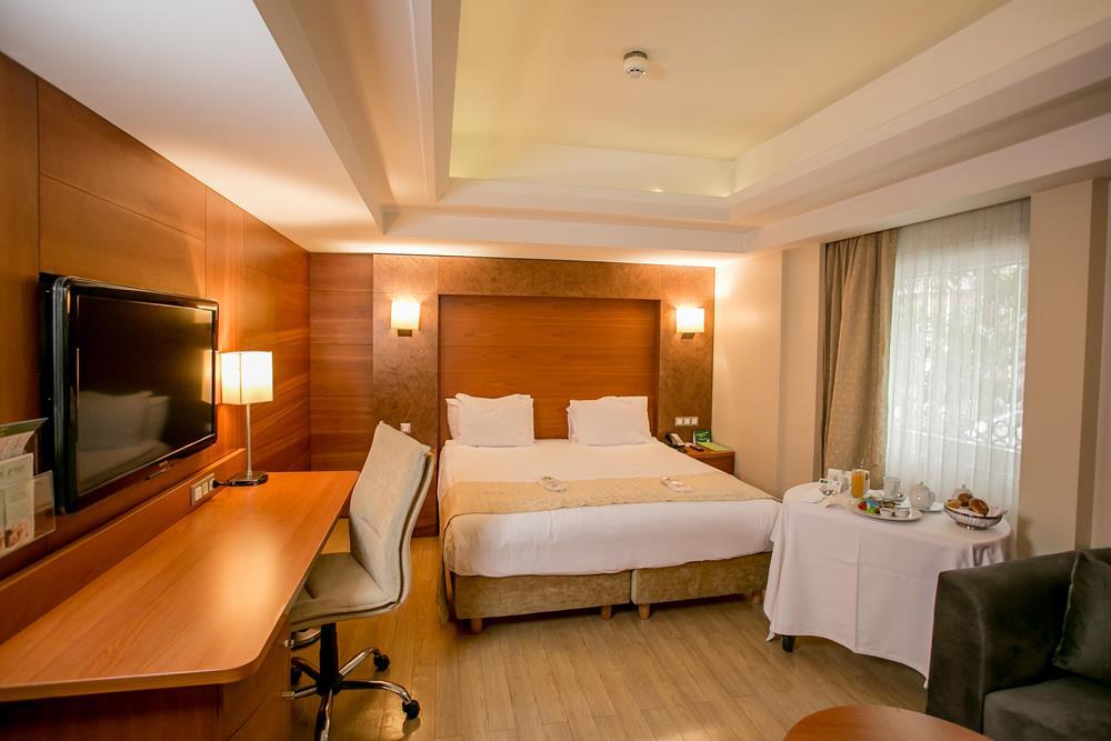 holiday inn istanbul city konaklama executive superior oda